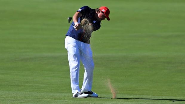 Phil-Mickelson-Golf-Desert-Classic-min